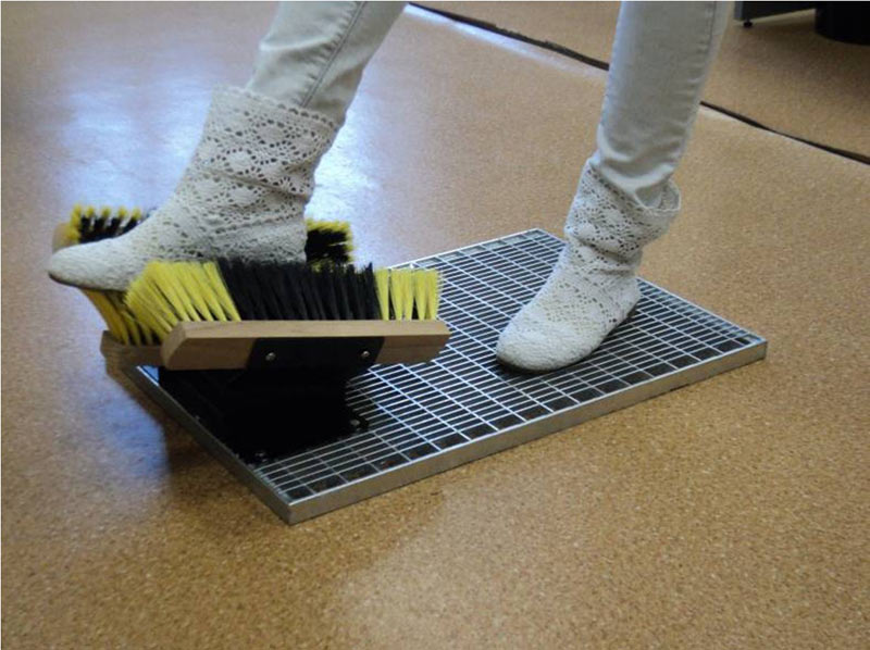 Для мытья обуви своими